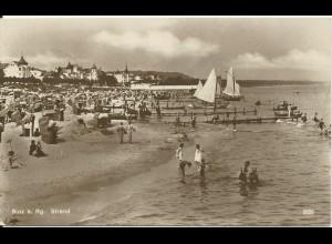 Binz auf Rügen, 1928 gebr. sw Foto AK m. Strand u. Häüser. #3085