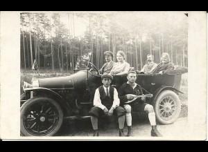 Automobil Oldtimer m. 6 Personen u. Frau am Steuer, ungebr. sw-Foto AK
